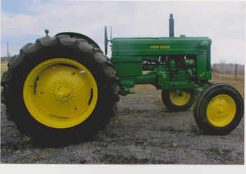 John Deere 40 W Tractor. To be sold at 1:30, Sat June 20,2015